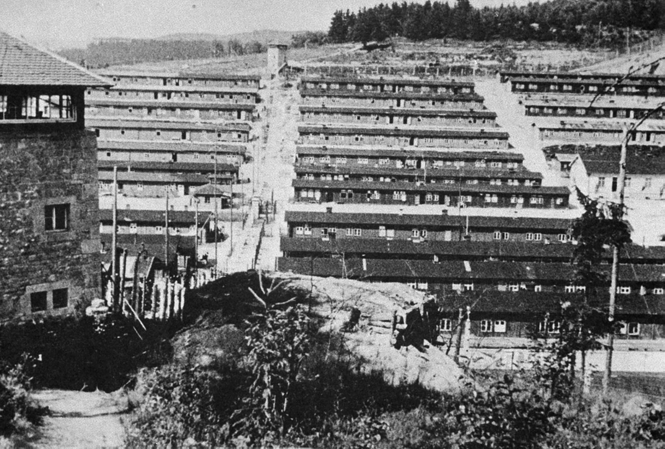 KZ Flossenbürg im April 1945 bei der Befreiung durch die S Army 99th Infantry Division US Army photo © commons wikimedia