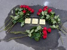 Stolpersteine für die Brüder Tschoggl am 19.10.2020 ©Christian Teichert