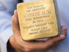 Stolperstein Gertrude Scharfstein, geborene Blüh  Foto: Alexander Danner