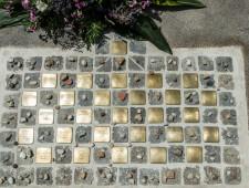 Stolpersteine-Verlegung für 27 ehemalige Schüler des Oeverseegymnasium in Graz am 27.6. 2017